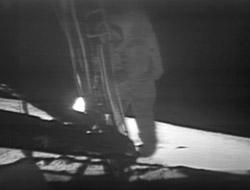 Neil Armstrong beim Betreten des Mondes im Jahr 1969